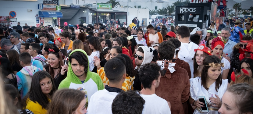 Karnevalsumzug  auf Lanzarote (7Fotos)